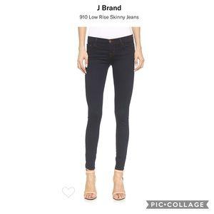 J Brand Skinny Jeans in Ink
